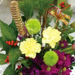 お正月にはお部屋にお花を! 元旦以外は通常営業しています。