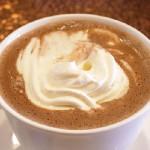 ココア   550円 ボリューミーなフードメニューのイメージが強いルナパークさんですが、皆さんお忘れなく!こちら喫茶店です。定食屋でもファミレスでもありません。冬は、これで温まっていってください!